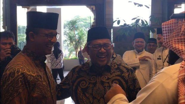 Anies Baswedan bersama Ahmad Heryawan