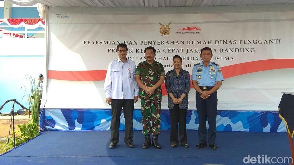 Rini Serahkan Rumah TNI AU yang Kena Proyek Kereta Cepat JKT-BDG