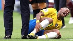 Sering Guling-guling Seperti Neymar, Kenapa Sih Pemain Bola Suka Diving?