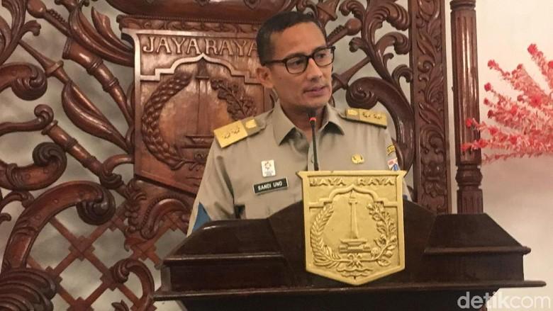 Sandiaga Minta Satpol PP Sterilkan Monas dari PKL