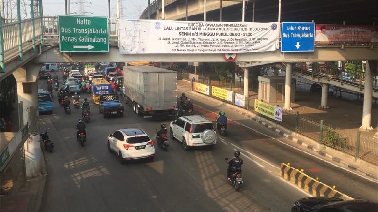 Ilustrasi Ganjil Genap Foto: Ibnu Hariyanto/detikcom