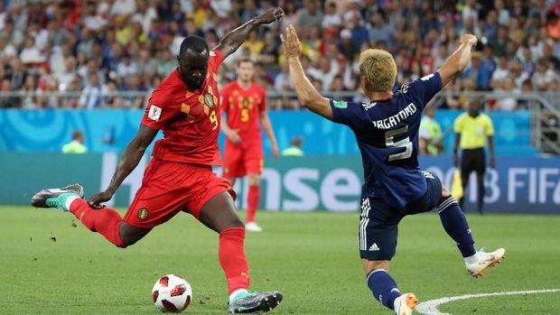 Romelu Lukaku tertinggal dua gol di belakang Harry Kane.