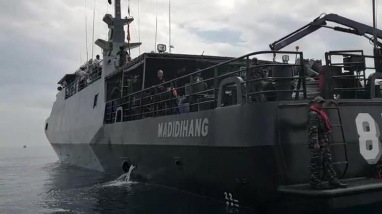 Kapal Perang Dikerahkan Cari Korban KM Lestari Maju di Selayar