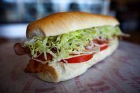 Lewat Pengantar Sandwich Wanita Ini Dapati Kekasihnya Selingkuh