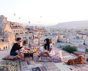 Mengintip Gaya Mewah Rachel Vennya Saat Kulineran di Turki Hingga Jepang