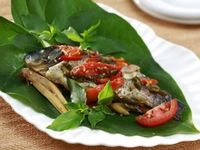 Gurih Lembut Pepes Ikan Mas yang Favorit dari Tanah Sunda