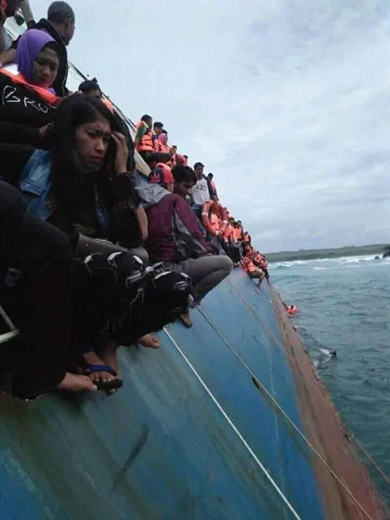 Sebelum Tenggelam, KM Lestari Maju Inisiatif Menepi ke Pulau