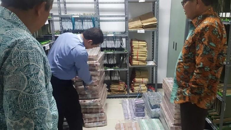Uang Rp 30 M di KM Lestari Maju Dibawa ke Bank, Ini Wujudnya