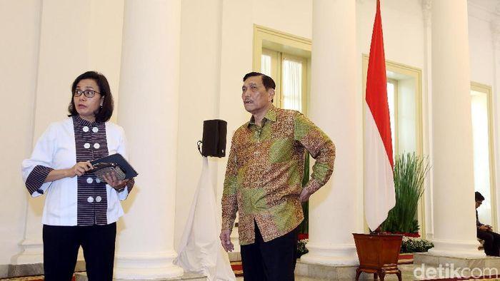 Menteri Keuangan Sri Mulyani dan Menko Maritim Luhut Panjaitan di Istana Bogor. Foto: Rengga Sancaya