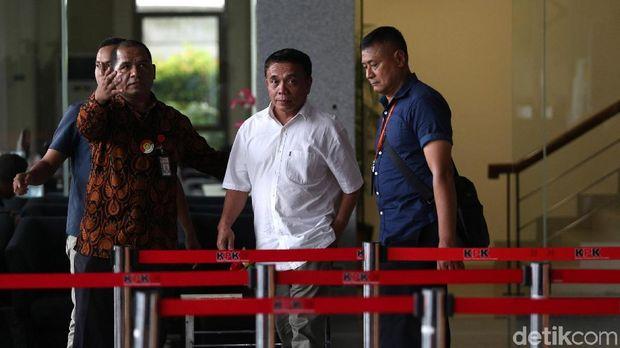 GUbernur Aceh Irwandi Yusuf saat di KPK.