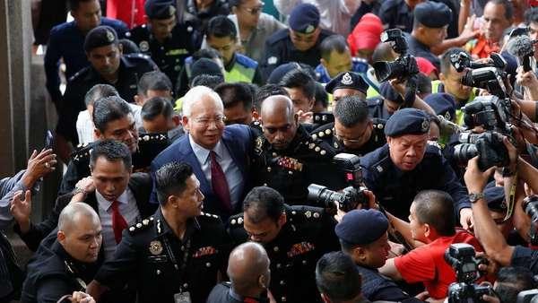 Didakwa Selewengkan Dana Rp 296 M, Najib Terancam 20 Tahun Bui
