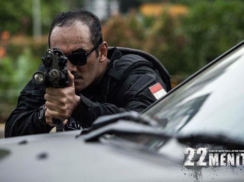 Demi Film '22 Menit', Ario Bayu Kenakan Kostum dengan Berat 9 Kg