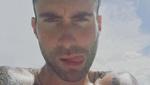 Adam Levine Berambut Pirang