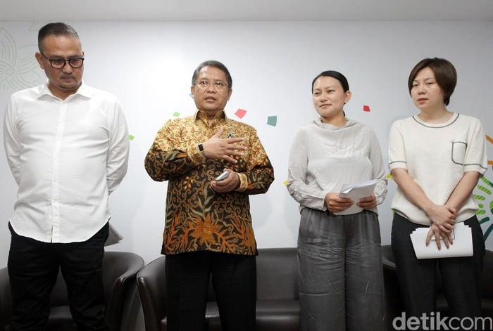 Para petinggi Tik Tok bertemu dengan Menteri Rudiantara. (Grandyos Zafna/detikcom)