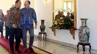 Presiden Jokowi menyambut kedatangan Presiden Bank Dunia Jim Yong Kim, Rabu (4/7).