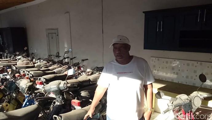 Koleksi Motor Tua Teman Hidup Raja Sengon Waktu Susah