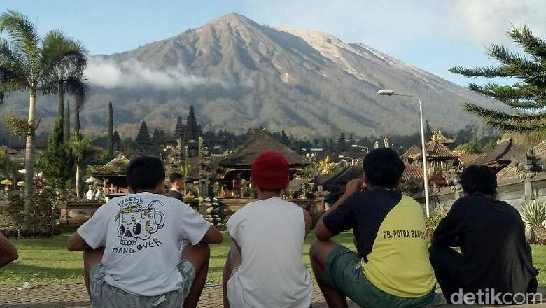 Gunung Agung Kerap Erupsi, Warga Lereng Jadi Lebih Siaga