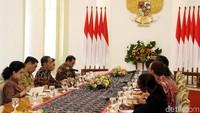 Pertemuan Presiden Jokowi dan Jim Yong Kim membahas persiapan Annual Meeting IMF-World Bank yang akan berlangsung di Bali pada Oktober 2018.
