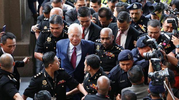 Former Malaysian prime minister Najib Razak arrives in court in Kuala Lumpur, Malaysia July 4, 2018. REUTERS/Lai Seng Sin