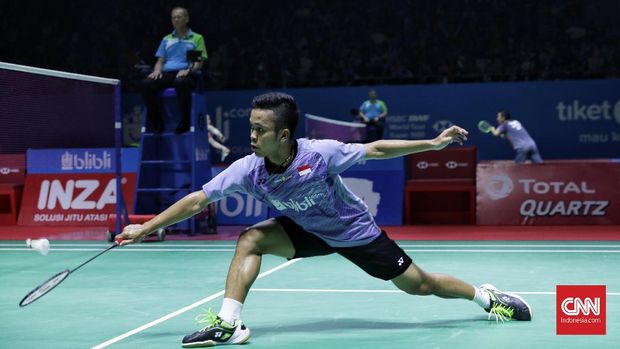 Anthony Ginting tuai kekalahan di laga perdana BWF World Tour Finals 2018.