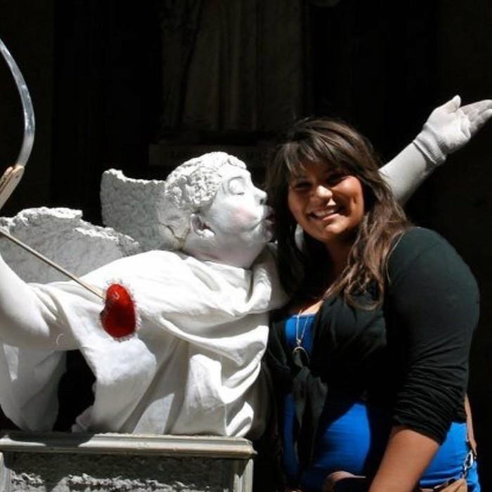 Pada usia 22 tahun, Laura Micetich memiliki berat lebih dari 300 pound atau sekitar 136 kg. Bobotnya yang berlebih membuat ia menghadapi banyak masalah kesehatan termasuk hipertiroidisme, tekanan darah tinggi dan prediabetes. Foto: Instagram/theirongiantess
