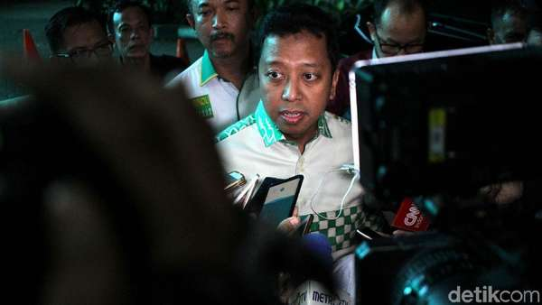 Zulkifli Kritik Jokowi, Rommy: Pidato Ketua MPR Cita Rasa Oposan