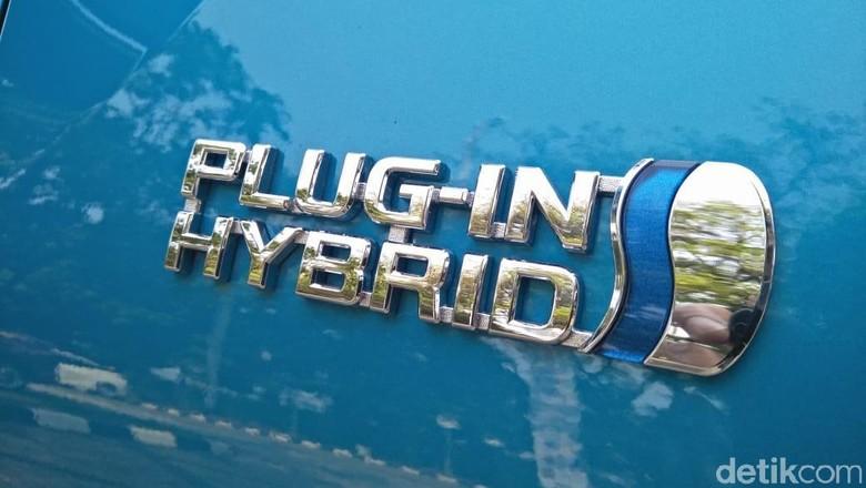 Mobil hybrid jadi pilihan pertama (Foto: Ruly Kurniawan)