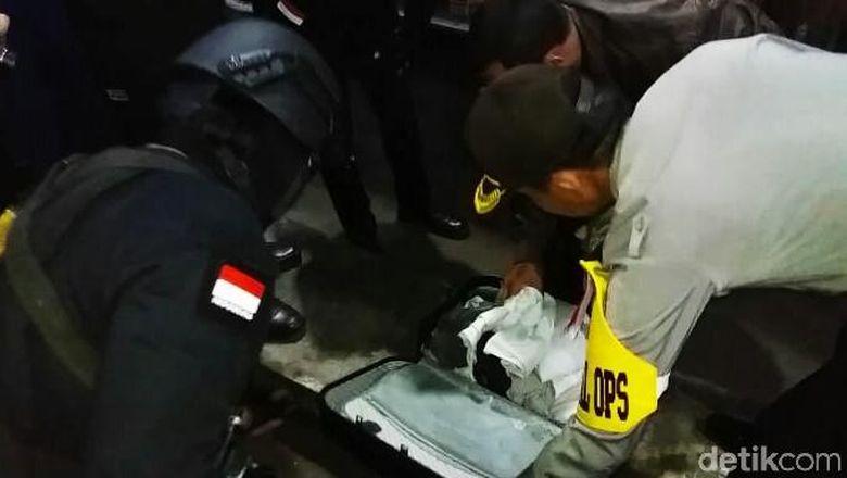 Hasil gambar untuk Bom Ikan Di Pasuruan Meledak Sendiri Saat Dirakit Anwardi
