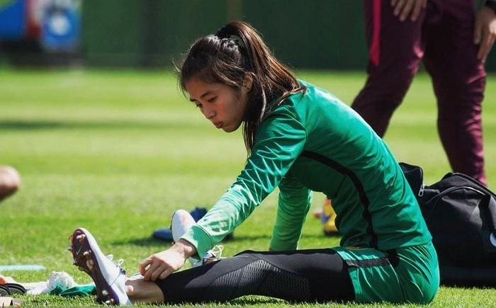 Wanita asal China ini memang betul-betul mencintai olahraga sepakbola. Foto: Instagram/zhao__lina