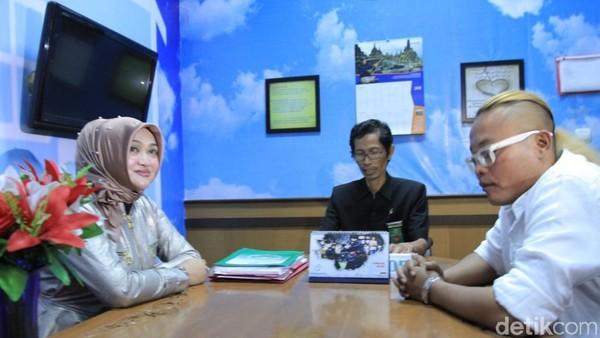Wow Baik Hatinya, Sule Umrahkan Seluruh Keluarga Lina Meski Cerai