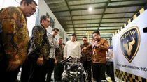 Menperin Kunjungi Pabrik Mobil Desa