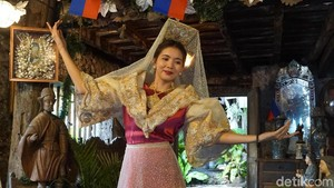 Foto: Cantiknya Wanita Filipina Dalam Balutan Pakaian Tradisional