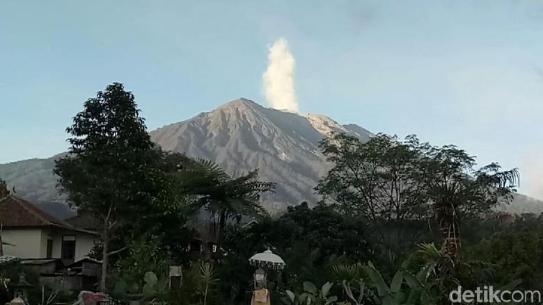 Antisipasi Gunung Agung Erupsi, Warga Diminta Pakai Masker