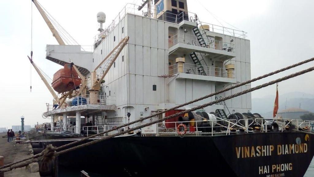 22.500 Beras Impor Vietnam Tiba di Pelabuhan Cilegon