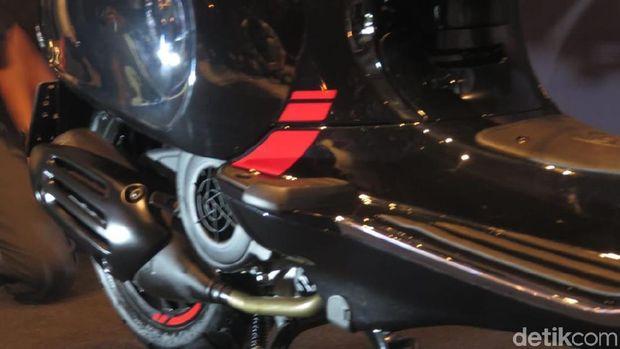 Bodi motor diberi aksen merah