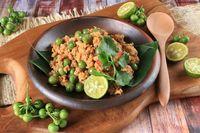 Masakan Sunda tutuk onom.