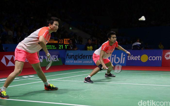 Permainan apik ditunjukkan Tontowi Ahmad/Liliyana Natsir sejak awal pertandingan pertama di Istora Senayan, Jakarta, Kamis (05/7/2018).