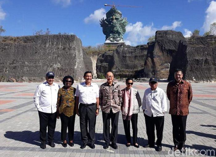 Presiden World Bank Jim Yong Kim mengunjungi Garuda Wisnu Kencana di Bali.