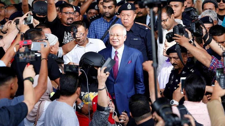 Rp 1,7 M Terkumpul Untuk Bantu Bayar Uang Jaminan Najib Razak