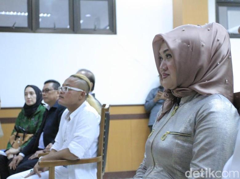 Ica: Lina Istri Sule Bilang Suami Saya Sayang sama Dia