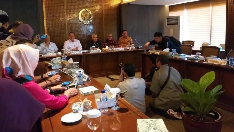 Hasil Rapat Gabungan di DPR: Eks Koruptor Bisa Daftar Jadi Caleg