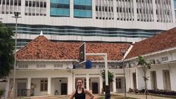 Dokter ini tengah viral. Pernah jadi kontestan Putri Indonesia mewakili Kalimantan Timur, dr Grace Joselini Corlesa kini jadi dokter timnas Asian Games 2018.