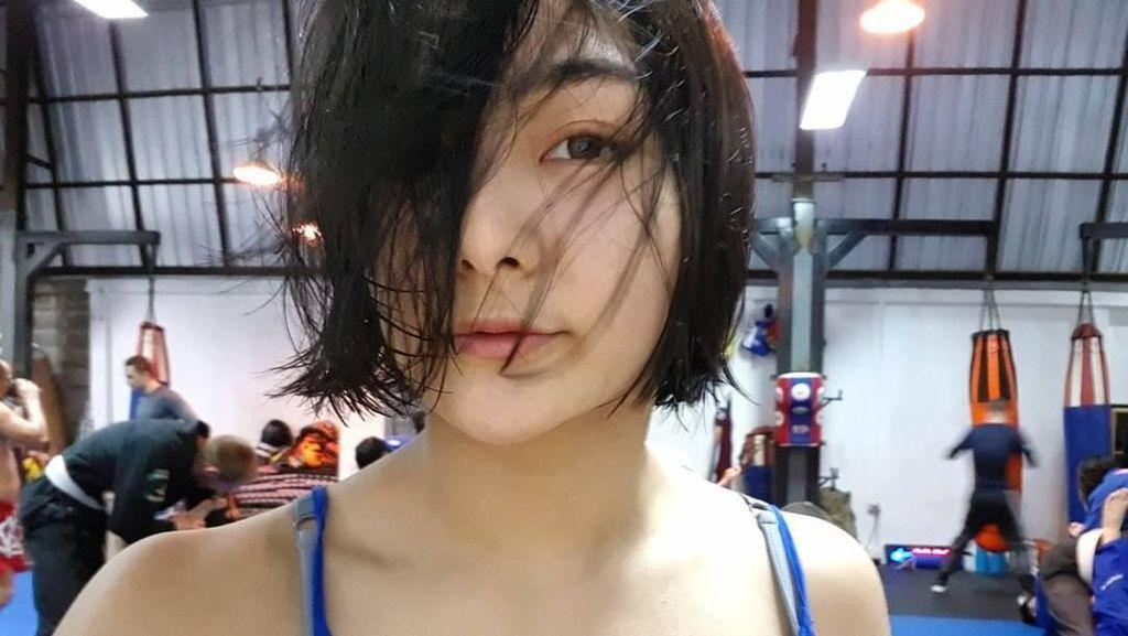 Potret Rika Ishige, Imut di Gym Ganas di Ring