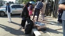 Massa Aksi 67 Tinggalkan Bareskrim Sambil Bersihkan Sampah
