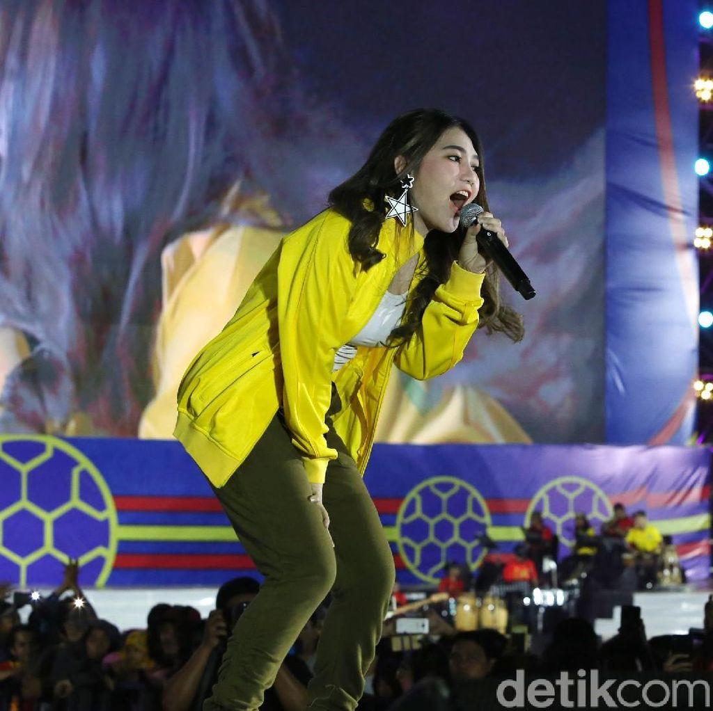 Lagu Karna Su Sayang yang Dicovernya Viral, Ini Kata Via Vallen