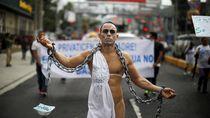 Aktivis Spanyol Demo Bugil Tolak Kulit dan Bulu Hewan untuk Busana