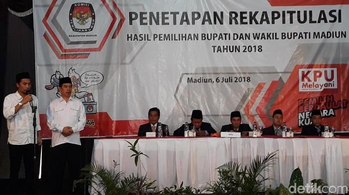 Hasil rekapitulasi Pilbup Madiun/Foto: Sugeng Harianto