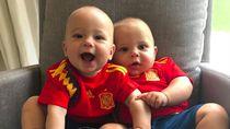 Cute! Anak Kembar Anna Kournikova Ikut Demam Piala Dunia