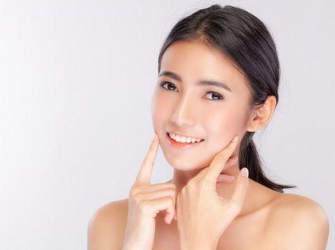 4 Cara Menghilangkan Bruntusan di Wajah yang Bisa Kamu Coba di Rumah