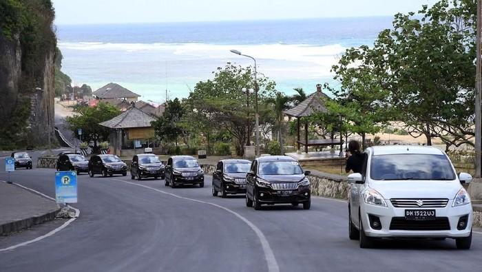 Test Drive Suzuki Ertiga di Pantai Pandawa, Bali